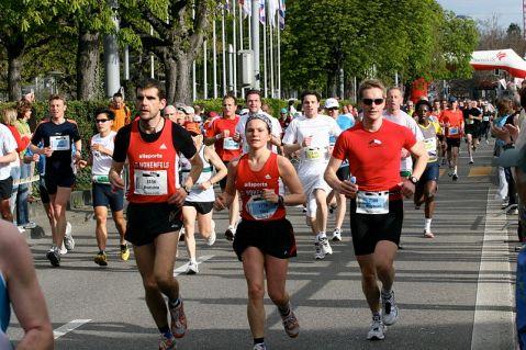 800px-Marathon_Runners